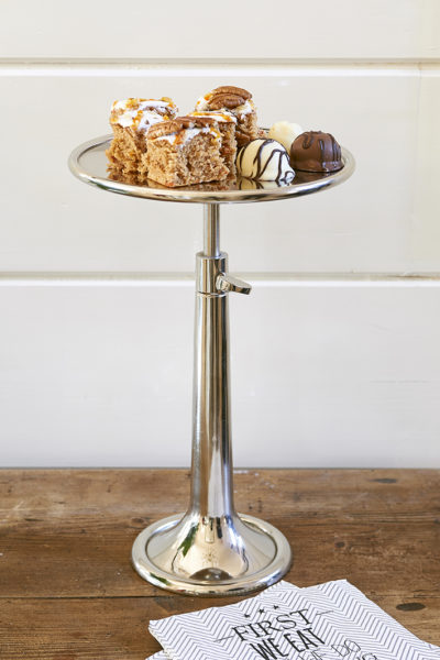 Vermont Adjustable Cake Stand