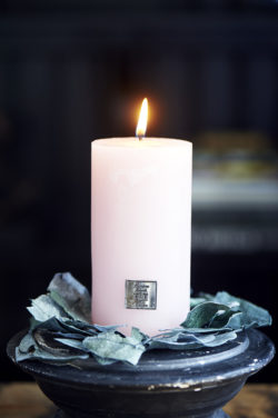 Rustic Candle blossom 7x13