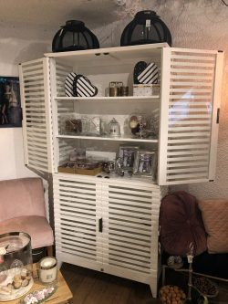 Divers Cove Cabinet White