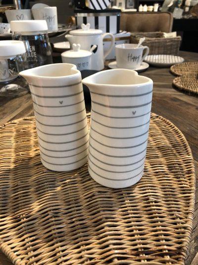 Bastion jug small white stripes grey