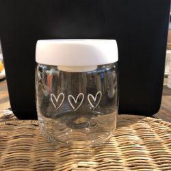 Bastion storage with 3 hearts white 11x13 cm