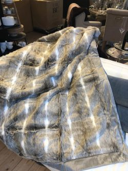 Aspen Faux Fur Throw 170x130
